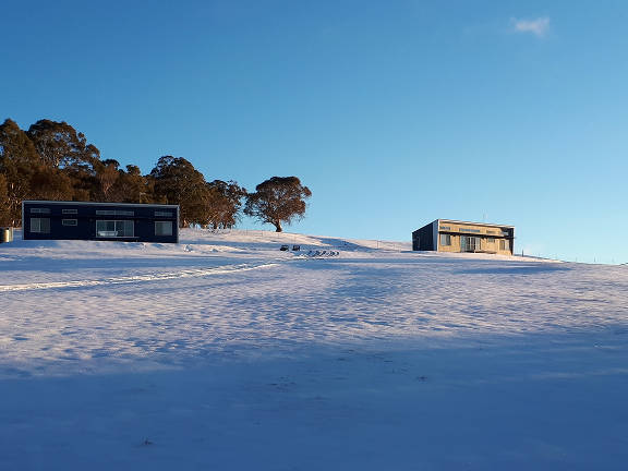 Eucumbene Lakeview Cottages in the snow